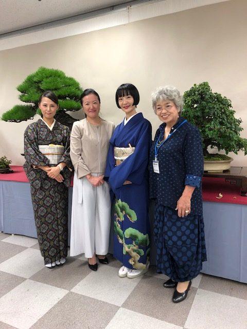 女性盆栽家、山田香織さん、川崎仁美さん、樹弥沙さん