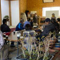 日本盆栽協会長野県東信支部で講習